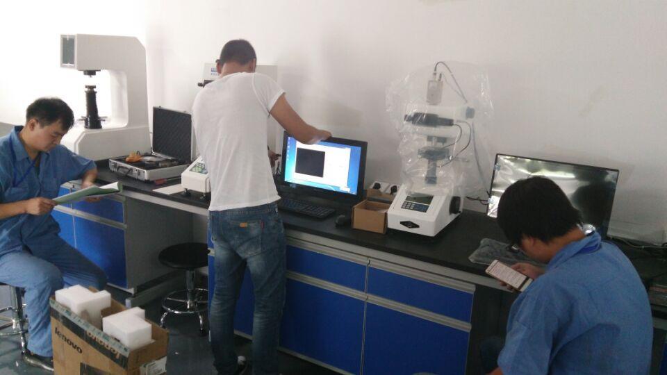 显微镜调试现场